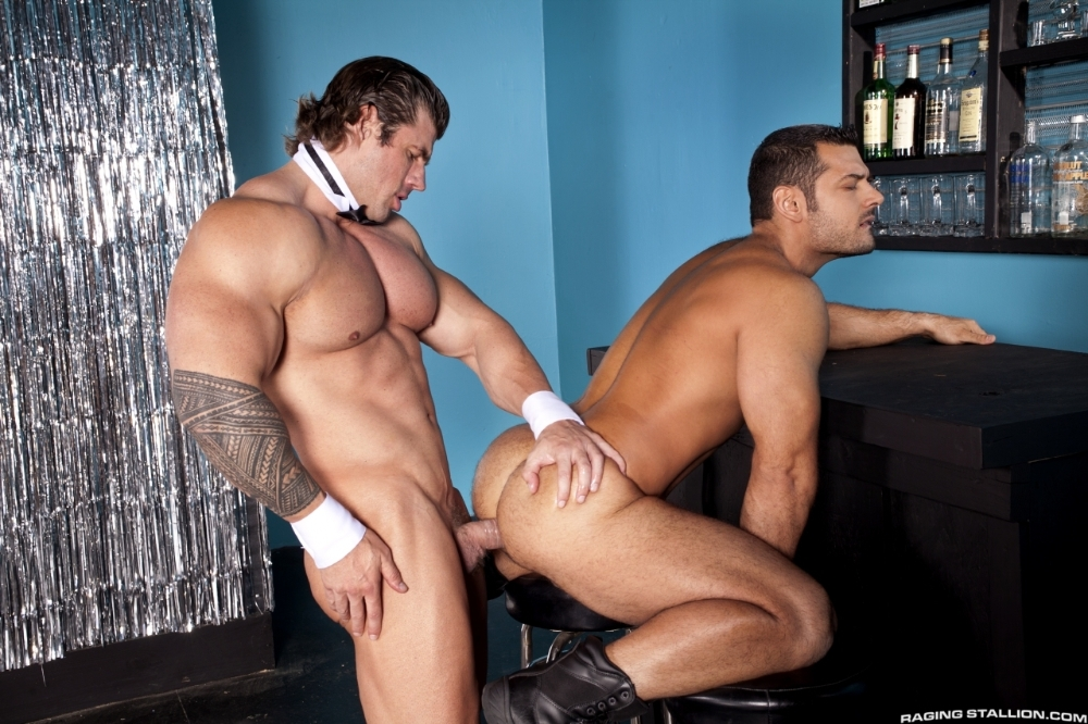 stripped-2-hard-for-the-money-marcus-ruhl-zeb-atlas-14