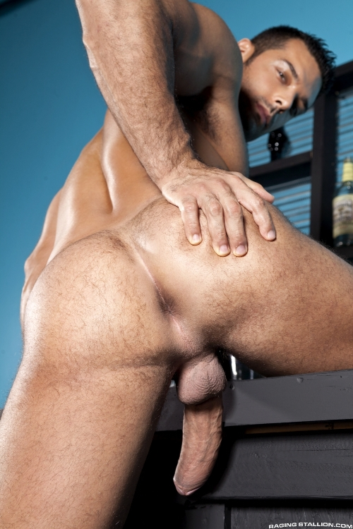 stripped-2-hard-for-the-money-marcus-ruhl-zeb-atlas-3