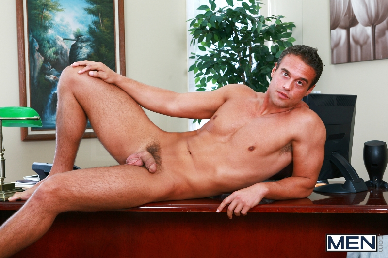 Rocco Reed's Debut - Tommy Defendi - Rocco Reed - Str8 To Gay - Men of Gay Porn - Photo #1