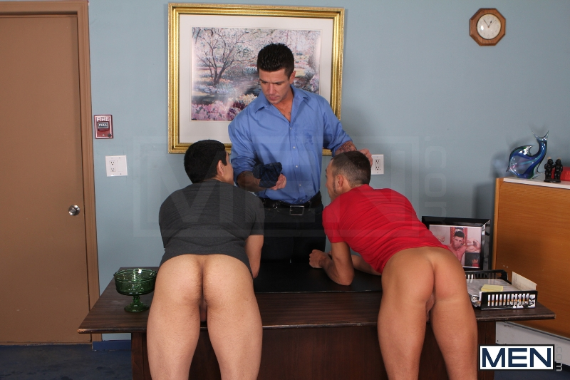 Sniffers Reward - Kirk Cummings - Trenton Ducati - Tony Newport - Big Dicks At School - Men of Gay Porn - Photo #4