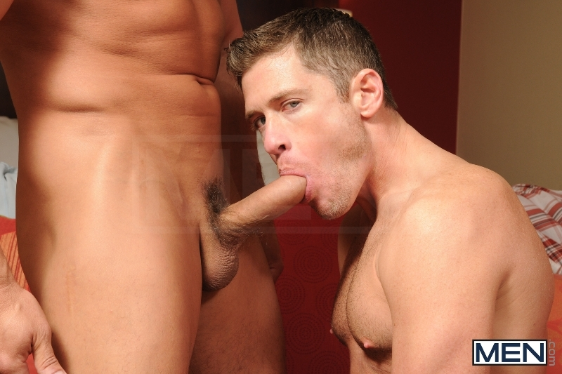How To Kiss - Boston Miles - Robert Van Damme - Str8 To Gay - Men of Gay Porn - Photo #4