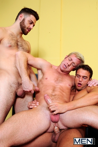 Photo Shooter - Christopher Daniels - Tommy Defendi - Rocco Reed - Drill My Hole - Men of Gay Porn - Photo #11