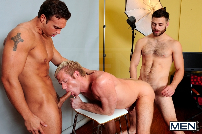 Photo Shooter - Christopher Daniels - Tommy Defendi - Rocco Reed - Drill My Hole - Men of Gay Porn - Photo #12