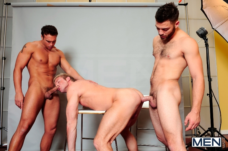 Photo Shooter - Christopher Daniels - Tommy Defendi - Rocco Reed - Drill My Hole - Men of Gay Porn - Photo #13