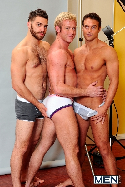 Photo Shooter - Christopher Daniels - Tommy Defendi - Rocco Reed - Drill My Hole - Men of Gay Porn - Photo #3