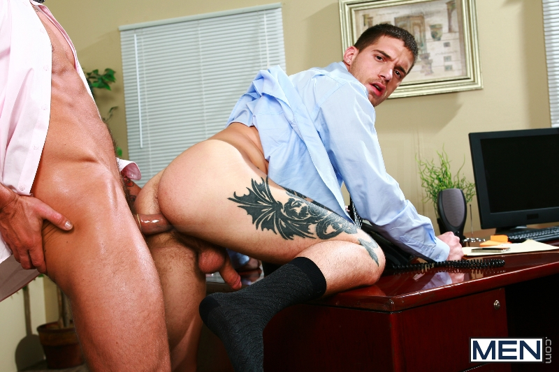 Sext In The Workplace - Trenton Ducati - Ty Roderick - The Gay Office - MEN.COM - Photo #10