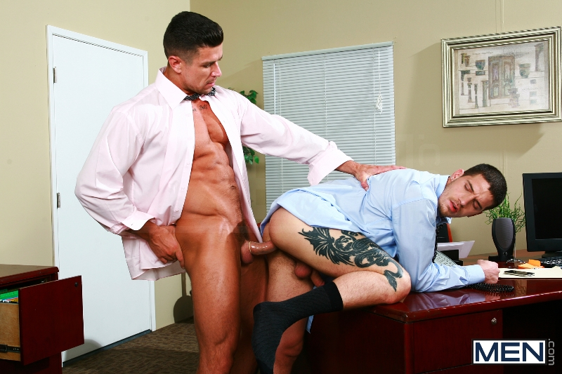 Sext In The Workplace - Trenton Ducati - Ty Roderick - The Gay Office - MEN.COM - Photo #11