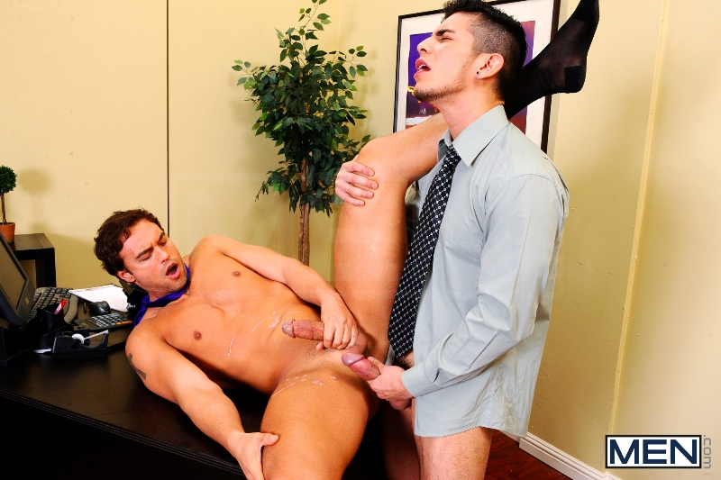 Entry Level - Rocco Reed - Lance Luciano - The Gay Office - Photo #14