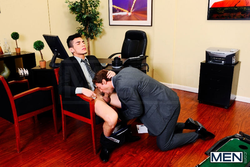 Entry Level - Rocco Reed - Lance Luciano - The Gay Office - Photo #7