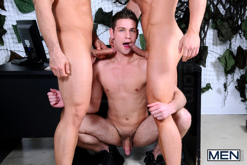 Minimum Requirements - Marcus Ruhl - Liam Magnuson - Duncan Black - Str8 To Gay - Photo #7