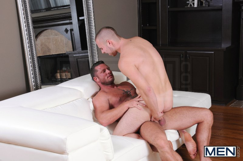Spying On The Neighbor - Atticus Benson - Charlie Harding - Drill My Hole - Men of Gay Porn - Photo #8